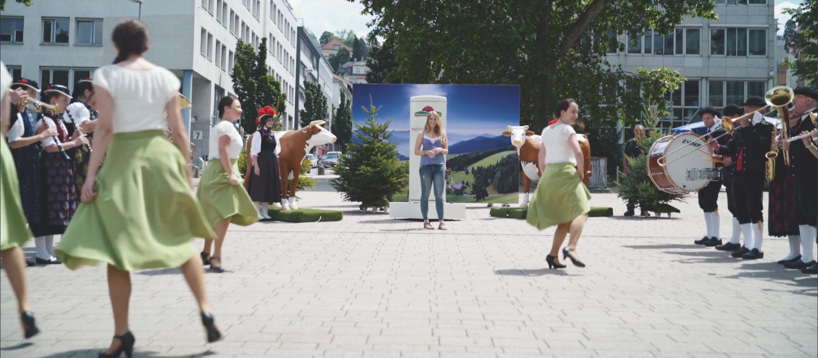 Guerilla Aktion Schwarzwaldmilch in Freiburg