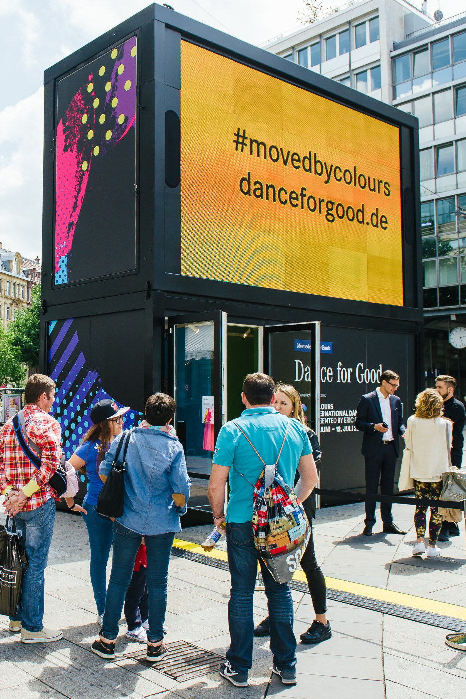 Dance for Good Vidibox in der Stuttgarter Innenstadt