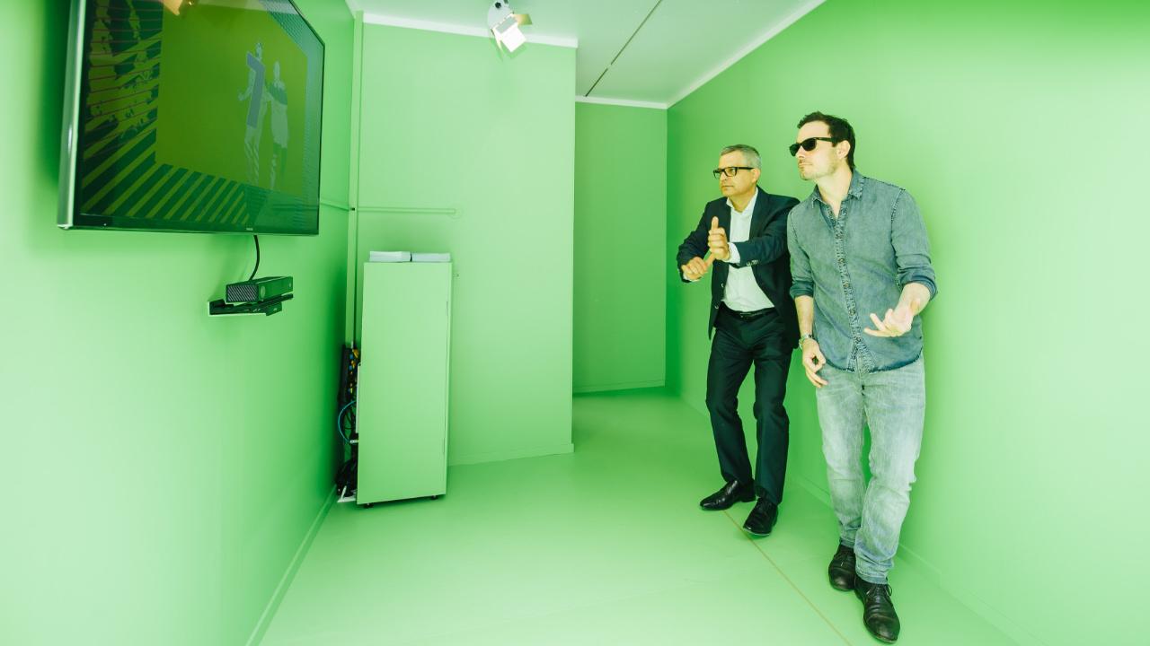 Tanzen vor Greenscreen für guten Zweck