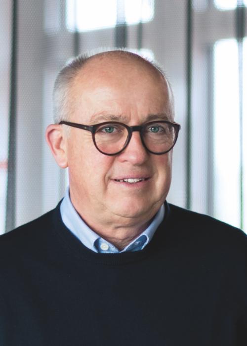 CEO Ulrich Roth