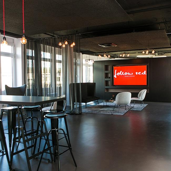 Ein Einblick in die Räumlichkeiten der Stuttgarter Agentur follow red. Hier entstehen einzigartige Ideen und Konzepte rund um Events und Kommunikation..